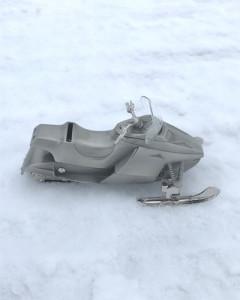 Sparebørse i tinnplett, snøscooter