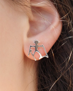 Earring skier