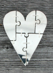 Heartbrooch STRUCTURE